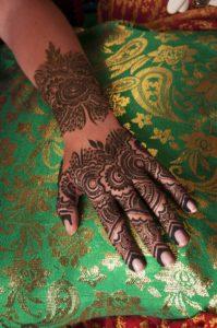 mehndi-designs-1743327_1920